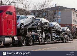 Auto Transport Tractor Trailer Truck - USA Stock Photo: 78547260 - Alamy