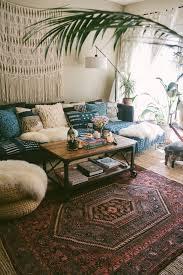 canap cosy on accumule les coussins pour un canapé cosy au style bohème