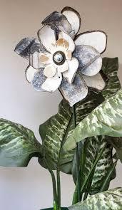 Salvaged Galvanized Metal Flower Indoor Outdoor Wall Art Yard Garden Stake Primitive Folk Rustic Shabby White Rust 16 297