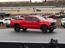 2019 Chevrolet Silverado LT Trailboss Unveiled Ahead Of Detroit ... Chevys 2019 Silverado Gets New 3l Duramax Diesel Larger Wheelbase 2018 New Chevrolet 1500 4wd Reg Cab 1190 Work Truck At 2 Door Pickup In Courtice On U420 2wd Trailering Camera System Available For Lt Trailboss Unveiled Ahead Of Detroit Pressroom Canada Images Trucks Cars Suv Vehicles Sale Fox Custom Crew 1435 2015 4x4 62l V8 8speed Test Reviews
