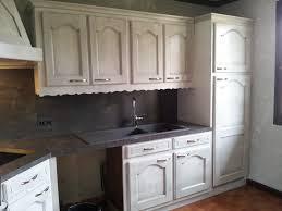 repeindre meuble cuisine laqué cuisine bois massif decoration moderne relooking chene repeindre en
