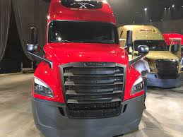 100 Semi Truck Led Lights Freightliner Introduces Redesigned Cascadia With Driverfocused Updates