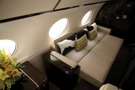 Which private jets have flat beds
