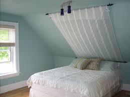 Bedroom Ceiling Lighting Ideas by Best 25 Sloped Ceiling Ideas On Pinterest Loft Room Loft