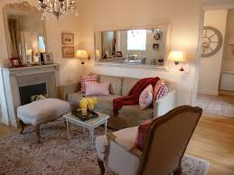 Paris Themed Living Room Decor by Chic Paris Themed Living Room Ideas With Minimalist Beige Sofa