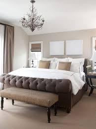romantisches schlafzimmer mit beige und brauntönen foto