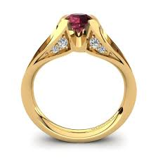Glamira hits the heights with its one of a kind gold engagement