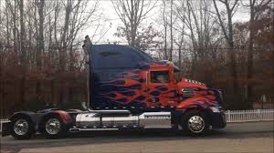 K.I.T.T. (Knight Rider) And Optimus Prime (Transformers) - YouTube