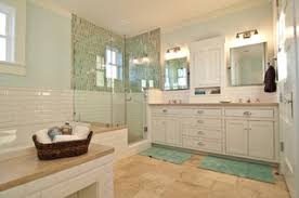 do subway tiled walls go with travertine floors