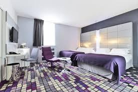hotel et dans la chambre les chambres hôtels kyriad dijon hôtels gare centre ville et