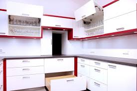 küche weiß hpl arbeitsplatte rot grau edelstahl griffe