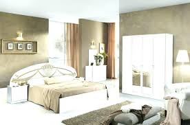 ensemble chambre complete adulte couleur chambre adulte moderne cool peinture chambre taupe chambre