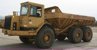 100 Rock Truck 1987 Caterpillar D350C Articulated Rock Truck Item A6521