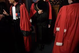 magistrats du si e et du parquet statut du parquet le conseil constitutionnel va trancher la croix