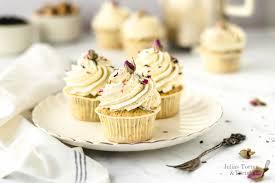 earl grey cupcakes mit vanille und frischkäse topping
