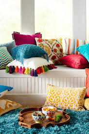 Oversized Throw Pillows Cheap by Best 25 Colorful Pillows Ideas On Pinterest Colorful Throw