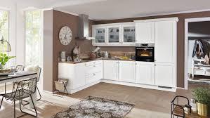 großzügige landhausküche chalet nobilia in matt weiß
