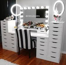 best 25 lighted vanity mirror ideas on pinterest mirror vanity