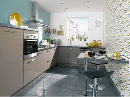 idee mur cuisine deco cuisine couleur framboise