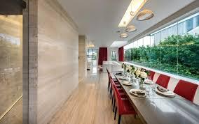 naturstein fußboden wände in der villa mistral in singapur