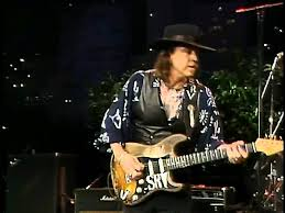 The Graceful Ways That Stevie Ray Vaughan And BB King Handled Broken