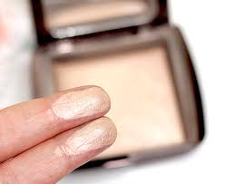 Hourglass Ambient Lighting Powder Review tango2