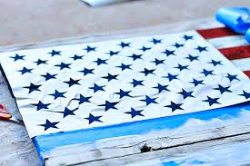 DIY American Flag Painting From Star Stencil Wood Pallet Via Liblueboo