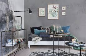 wohnzimmer mit grau bemalten wänden und bild kaufen