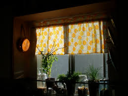Kitchen Curtain Ideas Pinterest by 100 Diy Kitchen Curtains Articles With Natural Wood Dining