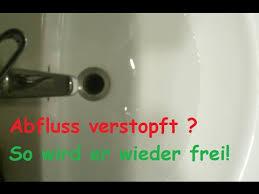 verstopften abfluss reinigen mit hausmittel freimachen ohne chemie dusche waschbecken verstopft