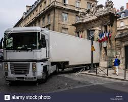 Trailer Truck Backing Into The Gate Of The National Assembly In ... Paris V2 Trucks 43 White Boarder Labs And Calstreets 169mm Street Truck Muirskatecom Co Thc Creative 150mm In Black Raw Atbshopcouk 160 Truck 3d Model 22 Oth Obj Ma Max Fbx C4d Free3d 50 180mm Teal Degree Purple Paris Skateboard 108mm 6875 Silver Old Skool Cruiser Renault Cporate Press Releases A Gastronomic Spree From The Gets A Fresh Update Longboardism 180 Longboard Adam Colton Signature Design