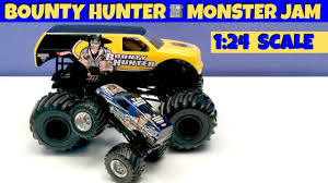 BOUNTY HUNTER 1:24 Scale Monster Jam Truck - YouTube Monster Jam World Finals Xvii Competitors Announced Bounty Hunter Win In St Louis Featuring Arlin Hot Wheels Year 2014 124 Scale Die Cast Metal Body Yuge Truck Weekend Trac In Pasco Rev Tredz New Hotwheels 5 Trucks Wiki Fandom Powered By The Of Gord Toronto 2018 Jacobkhan Sport Mod Trigger King Rc Radio Controlled Hollywood On Potomac Las Vegas Nevada Xvi Racing March 27