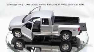 100 Chevy Toy Trucks 22076 4D Welly 1999 Silverado Extended Cab Pickup Truck 124