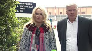 100 Pam Anderson House Ela Visits Assange Hes An Innocent Person CNN Video