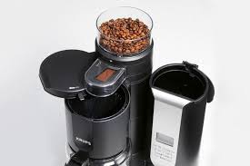 Coffee Maker With Grinder Beans In