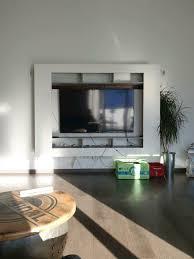 tv wand weiß betonoptik