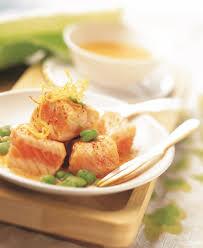 cuisiner avec du gingembre recette saumon mi cuit au jus de carotte fèves et gingembre