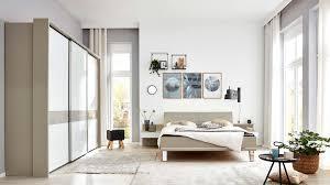 interliving schlafzimmer serie 1009 komplettzimmer weiß kieselgrau metallfüße siebenteilig drei türen