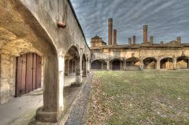 file courtyard of moravian pottery tile works jpg wikimedia