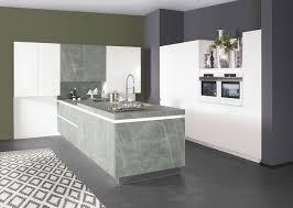 bauformat designküche mit halbinsel marmor arbeitsplatte und