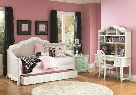 Jeromes Bedroom Sets by Bedroom Cozy Girls Daybed For Inspiring Teenage Bedroom Furniture