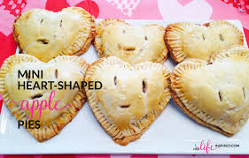 Mrs Wilkes Dining Room Menu by Mini Heart Shaped Apple Pie Recipe Her Life Inspired Pies Loversiq