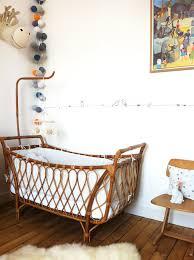 chambre bébé retro chambre bébé bois vintage nursery nursery and crib