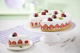 Hochzeitstorte Mit Erdbeeren Und Limetten Erdbeer Quark Torte