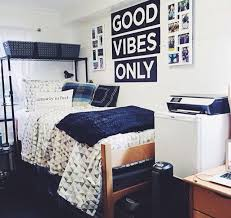 Minimalist Dorm Room Decor