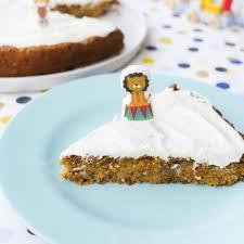 gesunder zuckerfreier geburtstagskuchen für kinder mit möhren