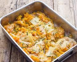 cuisiner citrouille recette gratin de citrouille aux noisettes amandes et parmesan