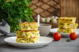 schneller kuchen mit eiern und frühlingszwiebeln