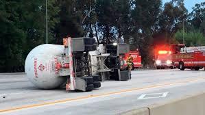 100 Tanker Truck Crash 405 Freeway In Sherman Oaks Reopens Hours After Tanker Truck Crash