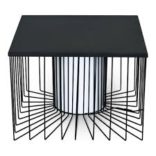 alinea bout de canape bout de canapé carré lumineux en acier noir les tables